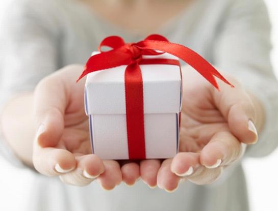 【レズビアンが選ぶ】2人で楽しめちゃう彼女へのプレゼント3選